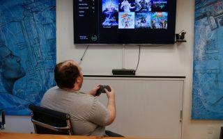 Вы можете узнать, как отключить диктор на Xbox One