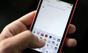 Как получить новые смайлики на iOS и Android